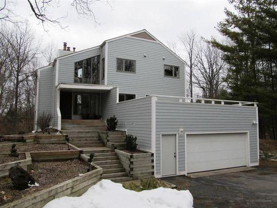 395 Windycrest Dr, Ann Arbor, MI 48105