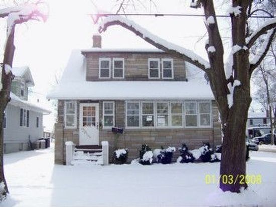 371 Jefferson Ave, Elgin, IL 60120