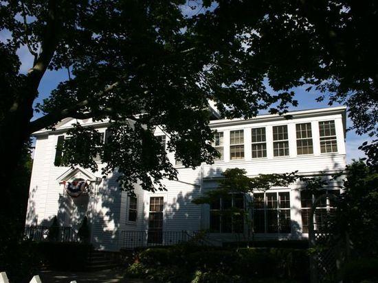 452 Bellevue Ave, Newport, RI 02840