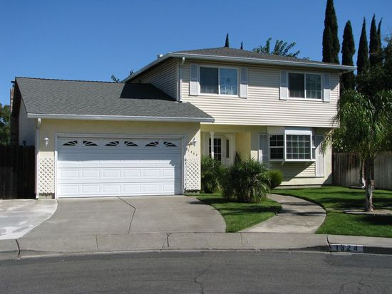 1324 Holmes Ct, Fairfield, CA 94533