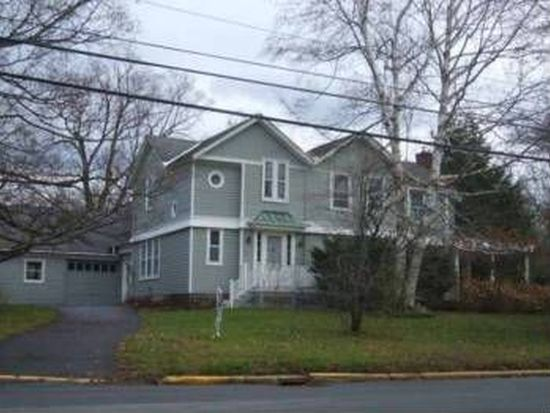 35 Fountain St, Clinton, NY 13323