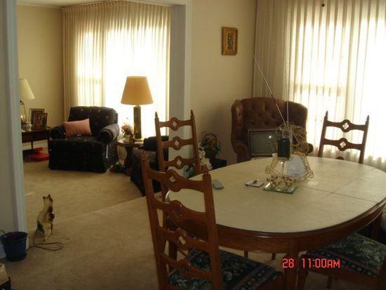 328 Village Dr, Northlake, IL 60164