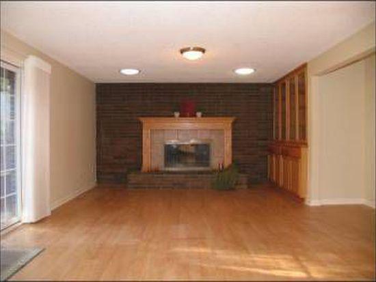 1234 Maple St, Lake Oswego, OR 97034