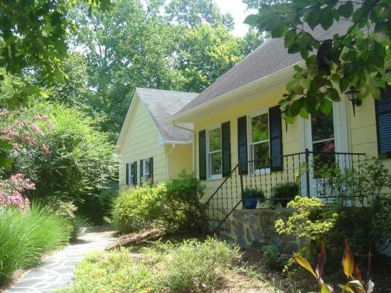624 Bayberry Dr, Chapel Hill, NC 27517