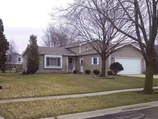 5412 W Greenbrier Dr, Mchenry, IL 60050
