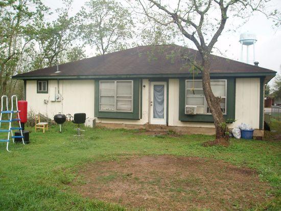 3643 Needville Ave, Needville, TX 77461