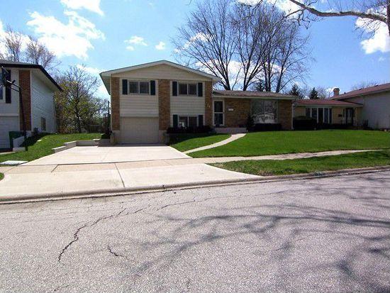 74 Lombard Cir, Lombard, IL 60148