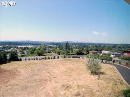 9300 SE Emmert View Ct, Happy Valley, OR 97086