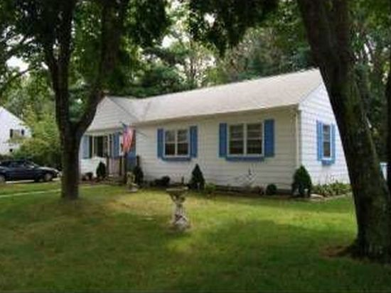 49 Peachtree Rd, North Kingstown, RI 02852