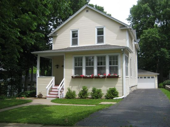 836 Prairie Ave, Downers Grove, IL 60515