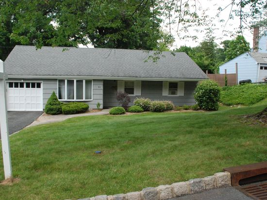 80 Fellswood Dr, Livingston, NJ 07039
