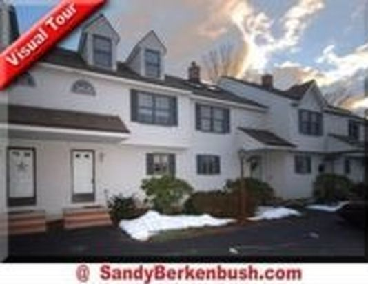 4 Carriage Ct UNIT 4, Merrimac, MA 01860