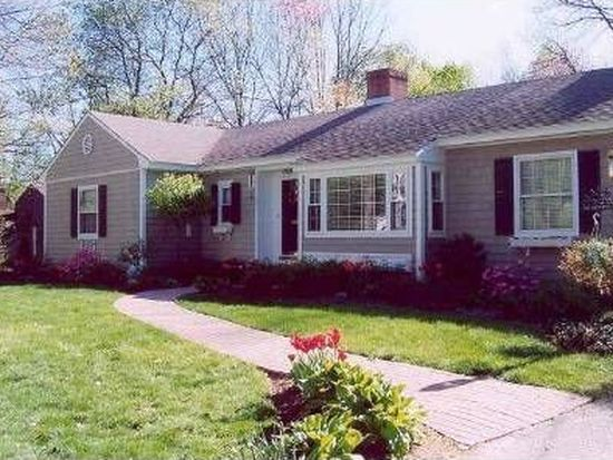 10 Howell Dr, Andover, MA 01810