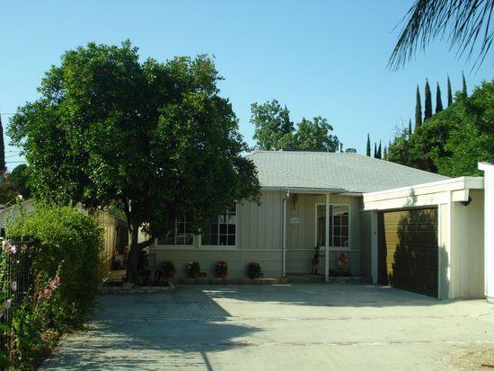 22417 Clarendon St, Woodland Hills, CA 91367