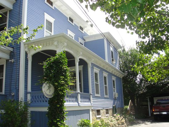 293 Linden St, Fall River, MA 02720