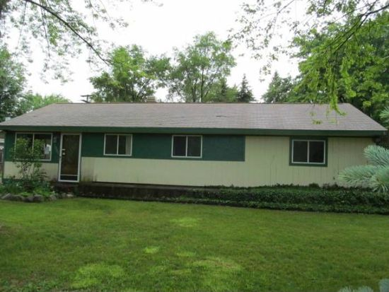 1061 Buster Dr, Waterford, MI 48327