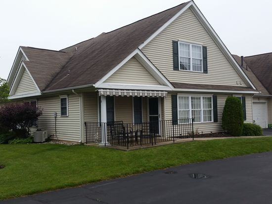 5 Avenrowe Ct, Fairless Hills, PA 19030