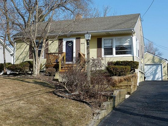 1024 Blanchard St, Downers Grove, IL 60516