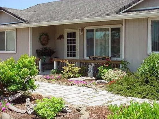 1410 Zebrawood St, Florence, OR 97439