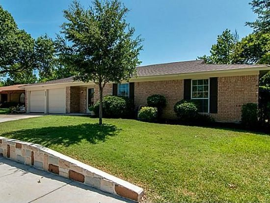 7582 Terry Dr, Fort Worth, TX 76180
