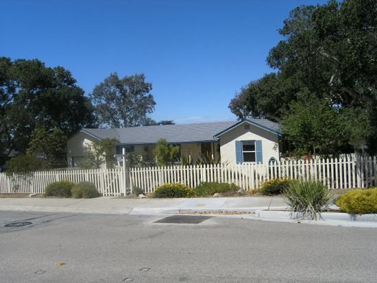 705 Airport Rd, Monterey, CA 93940
