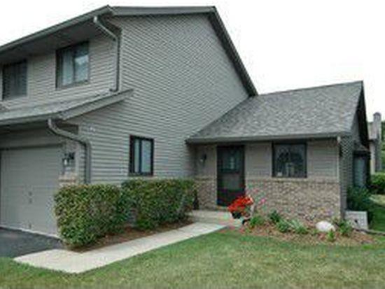 440 Berkshire Dr, Crystal Lake, IL 60014