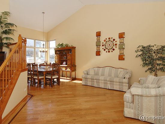 418 Big Cloud Pass, Lake In The Hills, IL 60156