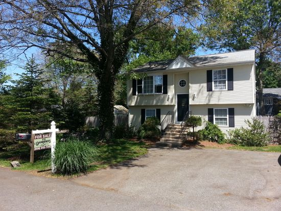 101 Hunt St, Seekonk, MA 02771