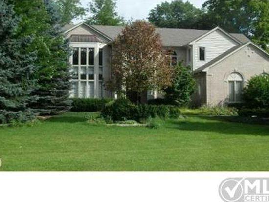 3688 Cedar Shake Dr, Rochester Hills, MI 48309