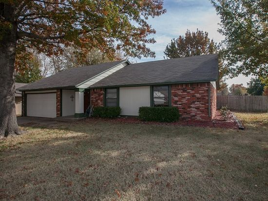 123 W Roanoke St, Broken Arrow, OK 74011