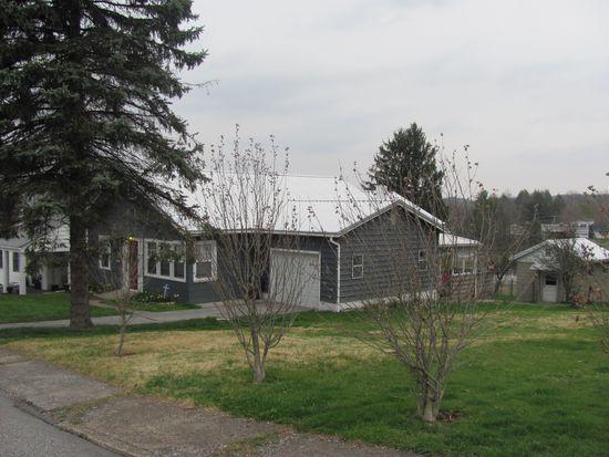 104 Woods Ave, Oak Hill, WV 25901