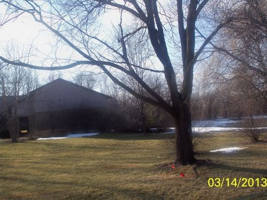 28 Country Ln, Deer Park, IL 60010
