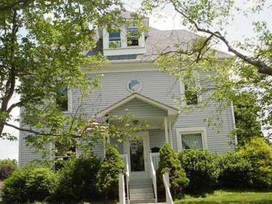 522 Stewart Ave, Grove City, PA 16127