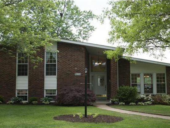 9001 Laurel Crest Dr, Saint Louis, MO 63126