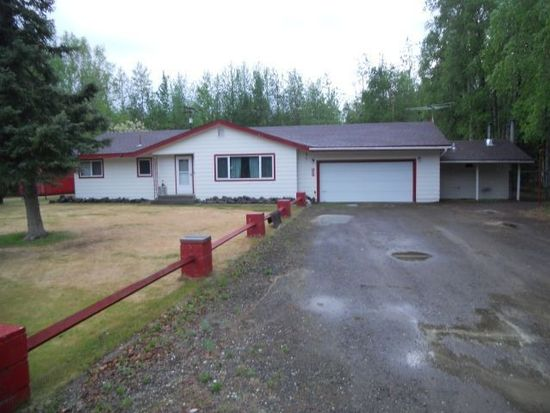 1067 Vincent Ct, North Pole, AK 99705