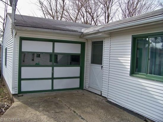 1482 2ND St, Lakemore, OH 44250