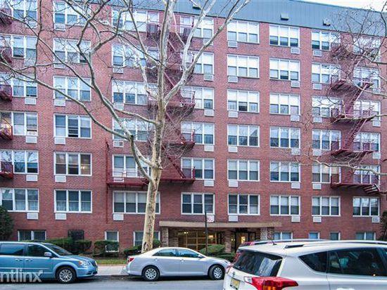 1580 E 13th St, Brooklyn, NY 11230