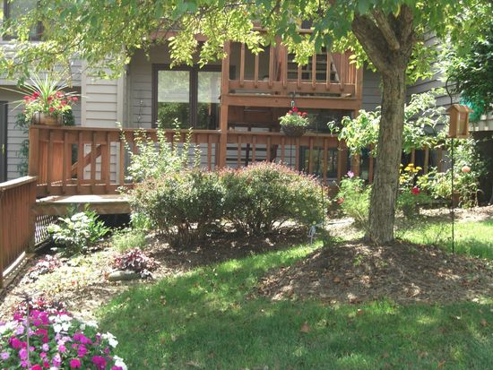 2032 E Waters Edge Dr # 28, Bloomington, IN 47401