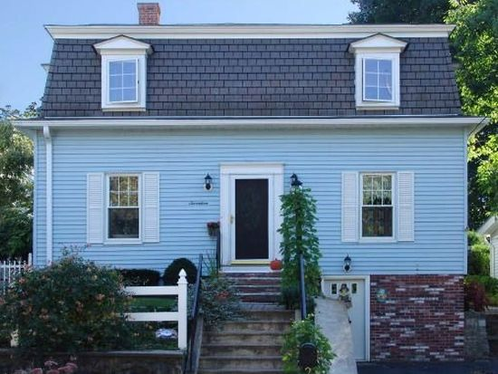 17 Pleasant St, Clinton, MA 01510