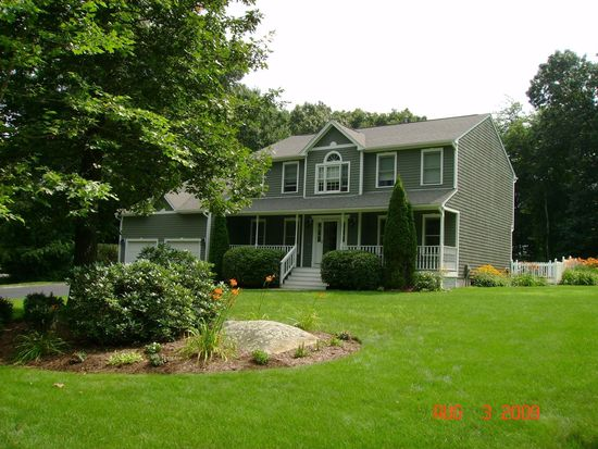136 Eastwick Rd, North Kingstown, RI 02852
