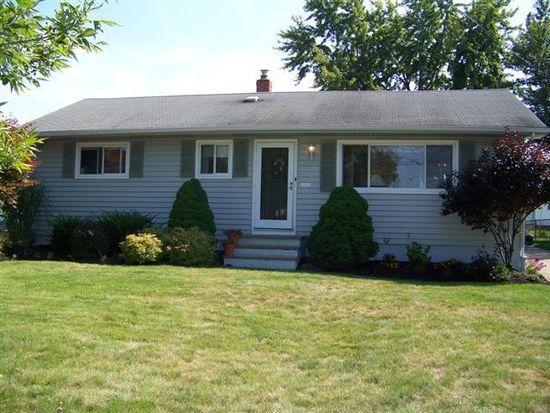14893 Sylvia Dr, Brook Park, OH 44142