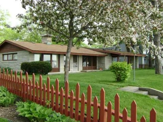 6115 E Pickwick Park Dr, Syracuse, IN 46567