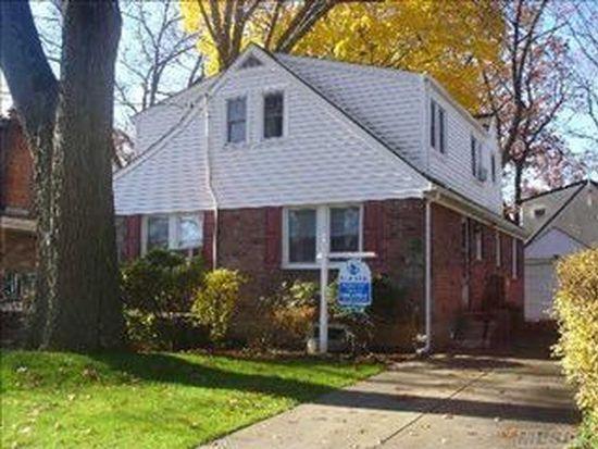 19 Carol St, Lynbrook, NY 11563