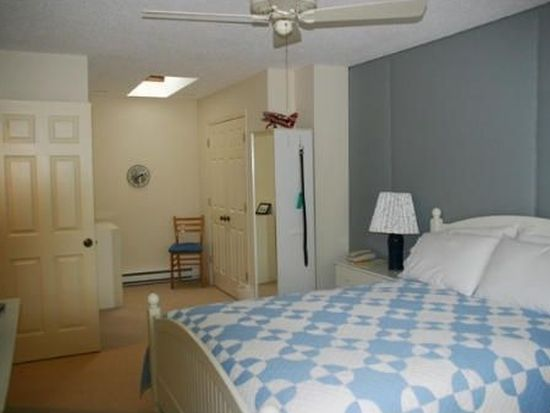 880 East St APT 14C, Lee, MA 01238