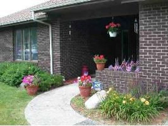 4102 W Squire Ct, Muncie, IN 47304