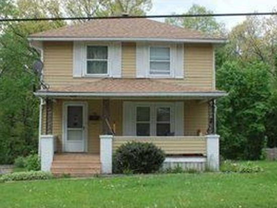 88 Baker Ave, Hermitage, PA 16148