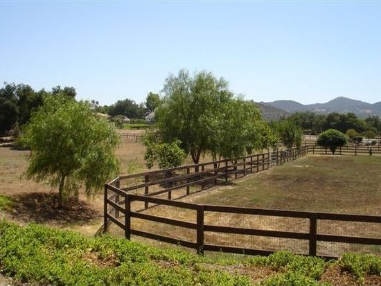 28581 Old Ranch Dr, Valley Center, CA 92082