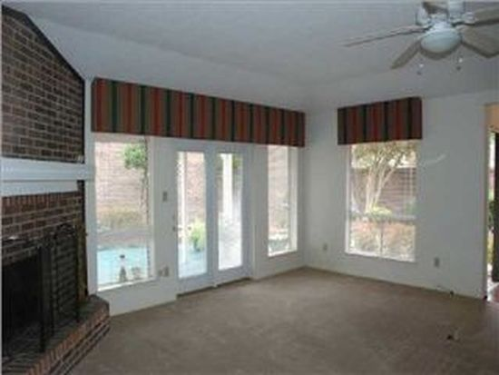 4 Cobblestone Way W, Mobile, AL 36608