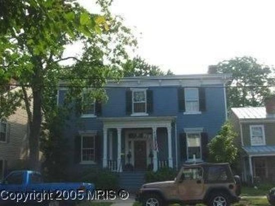 1209 Prince Edward St, Fredericksburg, VA 22401