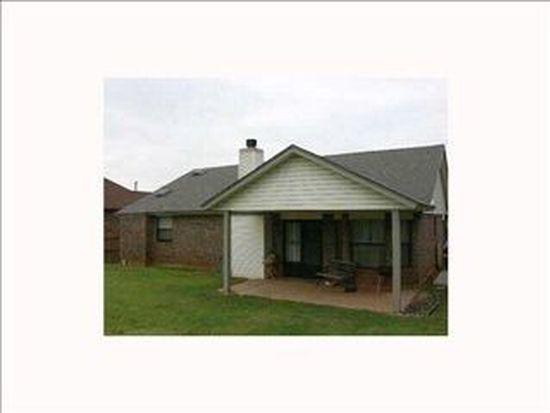 2301 NE 9th St, Moore, OK 73160